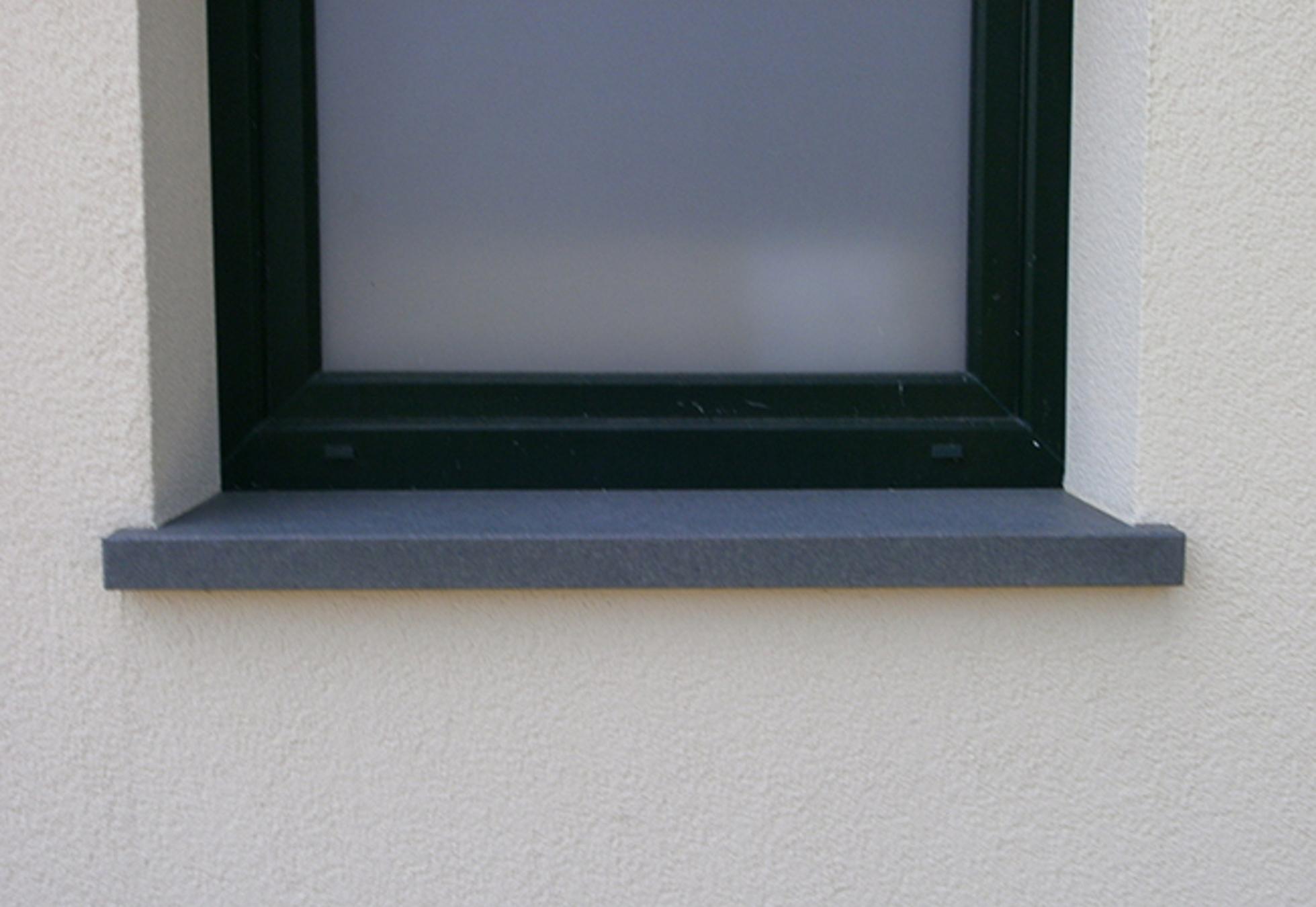 Blaustein auf Maß – Fensterbänke – Naturstein Vonderhecken